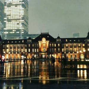 雨の東京駅丸の内駅舎