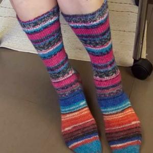 手編みのくつした・ハイソックスの場合のブロッキングについて