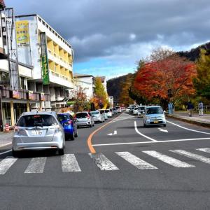紅葉狩りの車で渋滞(栃木県奥日光)