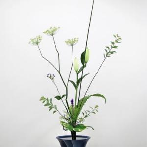 ユリ(カサブランカ)とウイキョウ・・豪華な立花