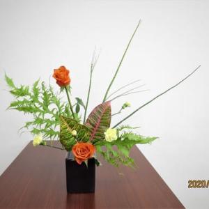 サザンカ・・生花・一種生・・難しい花材だった