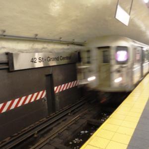 ニューヨーク地下鉄にバリアフリーなし