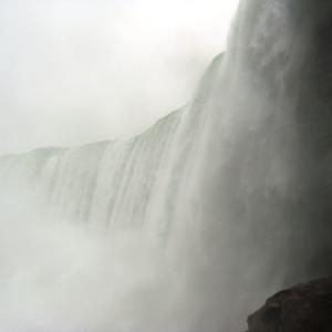 ジャーニー・ビハインド・ザ・フォールズ参上 ナイアガラの滝
