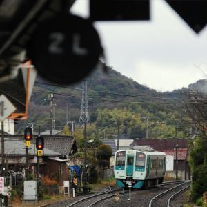 山越えしようとする列車に