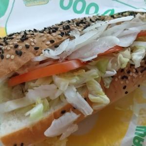 SUBWAYのツナサンドイッチ