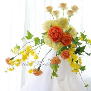 美しい流れの生花ブーケ