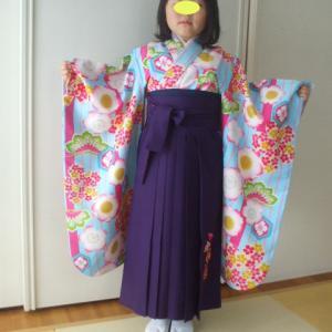 女児袴姿 保育園卒園式です
