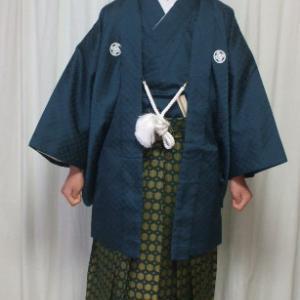 男子袴姿 中学校の卒業式です