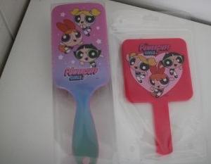 サンキューマート(390円)で購入したヘアブラシ&手鏡