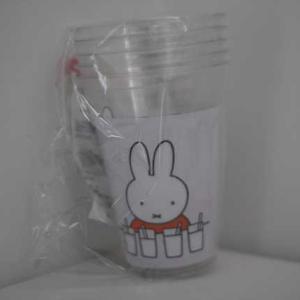 100均ダイソーで購入したミッフィーのクリアカップ♪