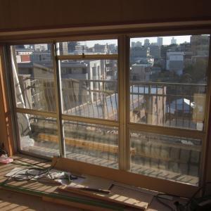 仙台市青葉区八幡マンション『テラスサッシリフォーム』です。