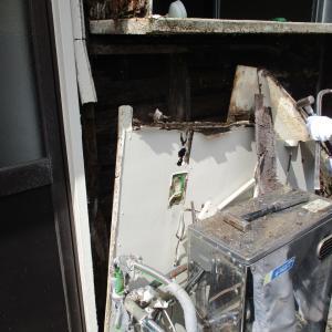 宮城県塩釜市一戸建て『浴室崩壊改修リフォーム』です。