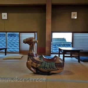 老舗料亭の2階で海が見えるよ、Cafe Miharu in 日立