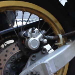 リアブレーキ整備 KL250G