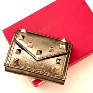 ヴァレンティノ の財布