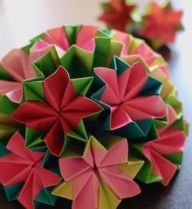 折り紙のくす玉