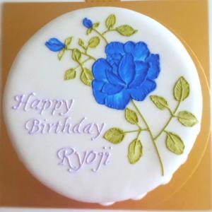 青いバラのケーキデザイン
