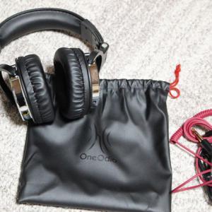 電子ピアノ専用ヘッドホンを購入 低音が響き耳をすっぽり覆うので満足