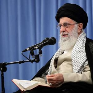 ハメネイは人殺しで指導者じゃないとイランで反体制デモが発生 イスラム国家で最高指導者批判