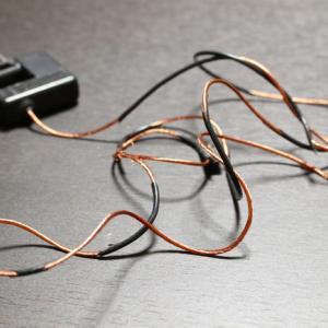 ガラケーの充電器がハゲまくり!さすがに怖いので充電用USB接続ケーブルを購入