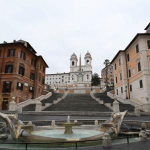 イタリア、都市封鎖を段階的に解除し経済活動を再開 2日連続感染者減少も死者数は増えている中で実施