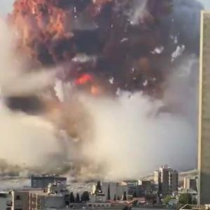 レバノン、大爆発で100人以上死亡 30万人が家を失い都市半分に被害 ゴーンの家も吹っ飛ぶ