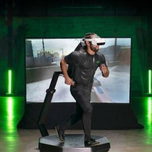 仮想空間を自由に歩けるVRが登場もゲームが体力勝負になるのかと俺の中で話題