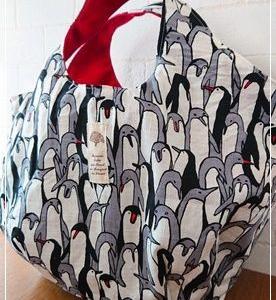 ペンギンだらけの丸底バッグ+ハギレで巾着