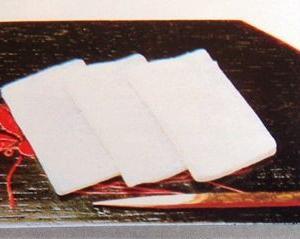 絹織物「羽二重」のやわらかな感触を餅菓子として・・
