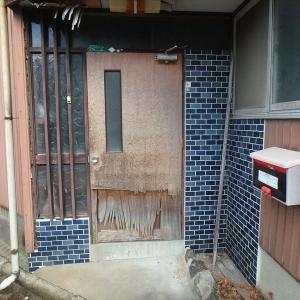 戸建のドアをDIY交換する