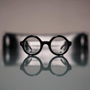 レスカ ルネティエ のラウンドメガネ