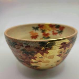 秋用の抹茶碗
