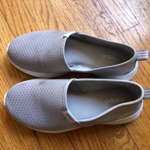 adidas の靴