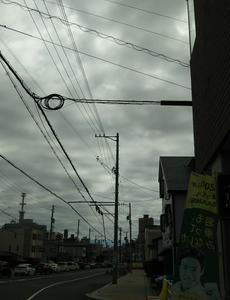 雲が出てきていかにも降りそうですね