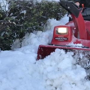「雪丸君」よりはるかにパワーがあるホンダハイブッリド除雪機 HSS1170i