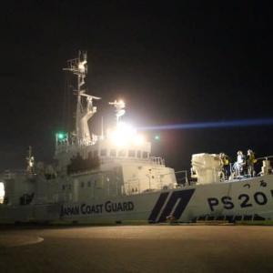 巡視船「つるぎ」夜間パトロールか