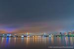 曇り空のレインボーブリッジ夜景(東京都江東区豊海町)