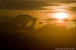 富士山と夕日(神奈川県平塚市万田)