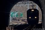 新天神山トンネルとEH200のシルエット(山梨県大月市笹子町)