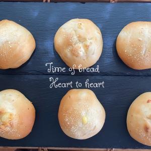 シンプルマヨネーズパン焼きました✿*:・゚