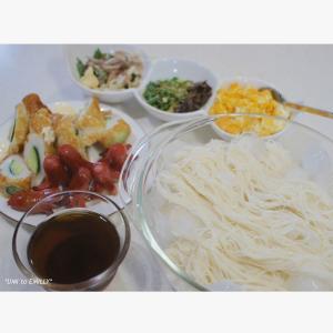 素麺とタコさんウィンナー