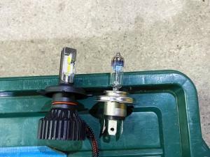 ハイエース ヘッドライトバルブ LED交換