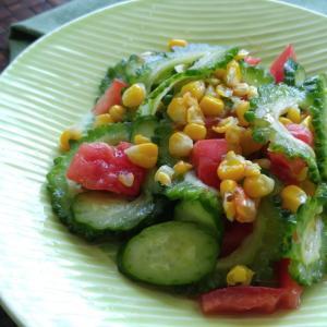 夏野菜サラダで朝ごはん