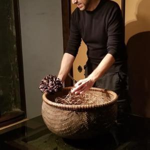 アレックス・カンビ氏「金澤花の茶屋」2