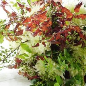 菊と枝物のシャンペトル&マスク美人目指して(^^♪