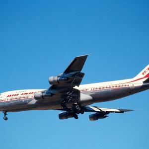 Air India の B747 & A310