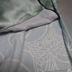 カーテン製作中。