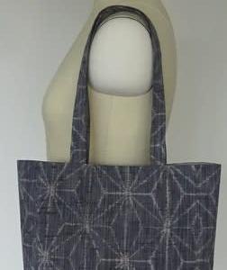 着物の帯で作ったトートバッグ。