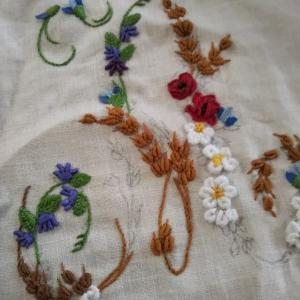 完成☆アルファベットAの花刺繍
