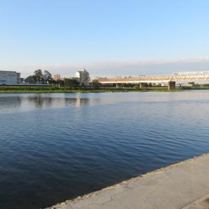 夕刻の多摩川